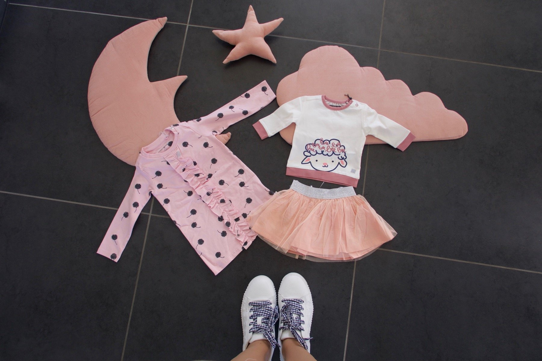 jenna minnie jennaminnie fashion blog baby mommyblog schattige babykleertjes